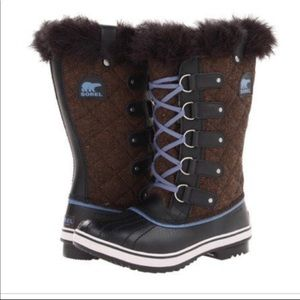 {Sorel} Tofino herringbone fur lined boots sz 7.5